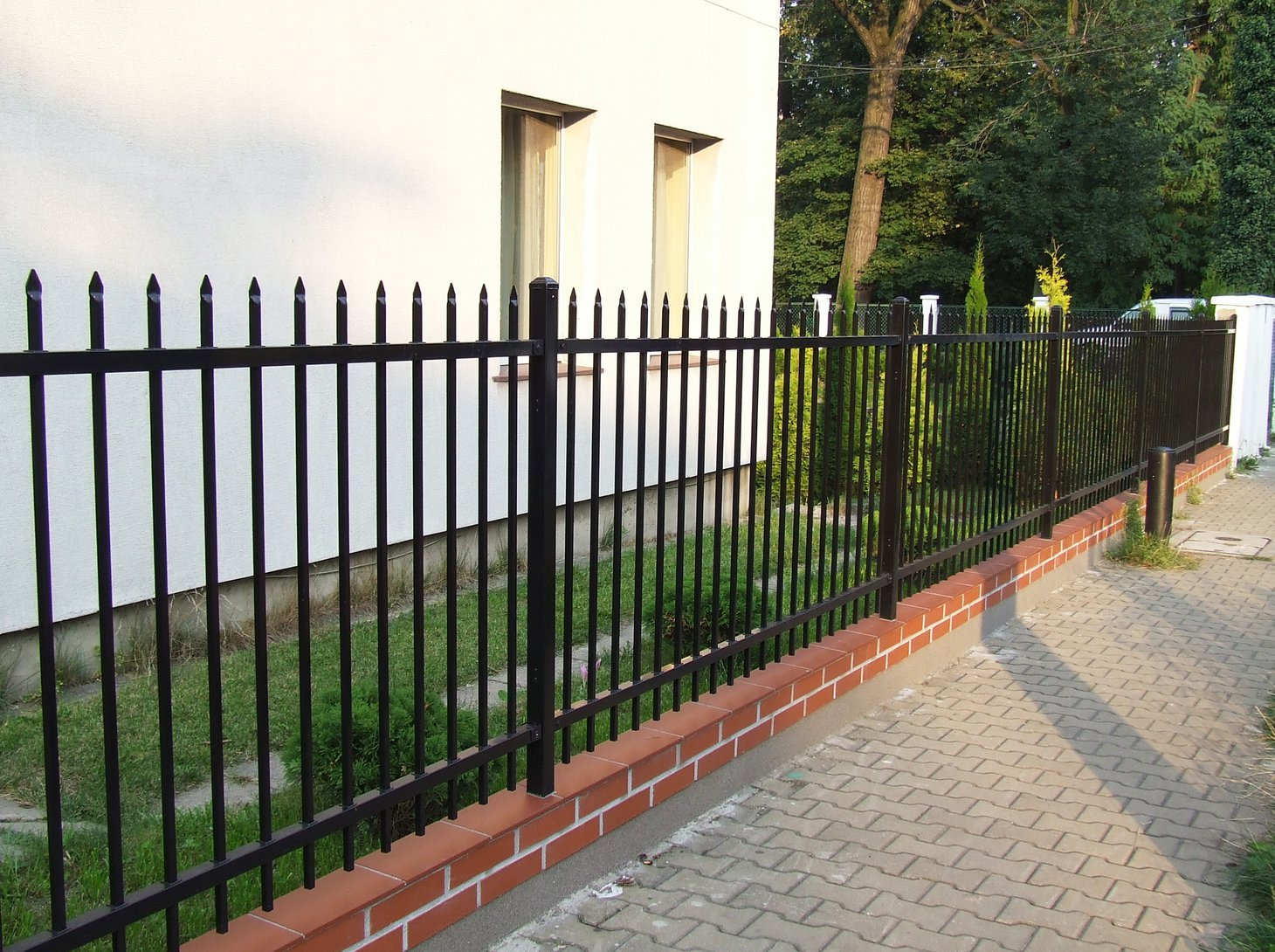big-price-discrepancies-or-what-does-the-cost-of-fencing-depend-on-part-1 zdjęcie ogrodzenia