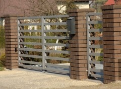 Double-leaf gate
